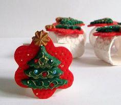 Christmas Napkin Rings in Red Green and White  Set of six (6) Swarovski Rhinestones Handmade home decor