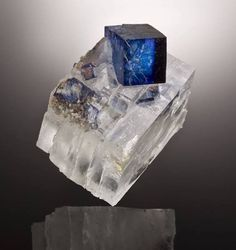 Halite and Sylvite. Origin: East Mine, Carlsbad, New Mexico