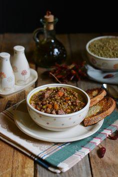 Zuppa di lenticchie e salsiccia piccante