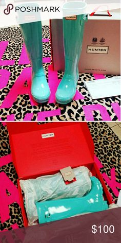HTF Mint Hunter Boots Hard to find Mint Hunter Boots. Size 4 kids, fit a women's size 5. Great used condition. These are MY photos of them new in the box when I first got them. They have been worn a few times now, still in great shape. I sold my last pair that didn't fit for $250. Gorgeous boots. You won't be disappointed. Price firm. I did pay over retail for these as well. Hunter Boots Shoes Winter & Rain Boots