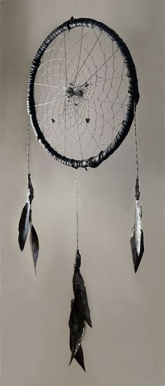 Old bicycle tyre = gigantic dreamcatcher | 41 Ways To Reuse Your Broken Things
