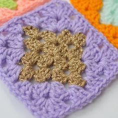 Ollie & Bella | For the love of crochet | DIAMOND GRANNY SQUARE