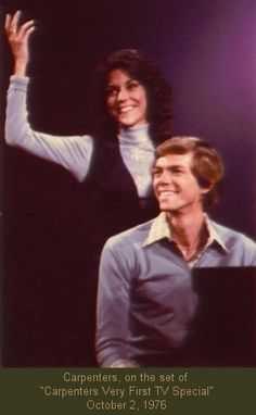 """Richard and Karen Carpenter, Carpenters, on the set of """"Carpenters Very First TV Special"""" October 1976 Richard Carpenter, Karen Carpenter, Karen Richards, Age Progression, First Tv, Beautiful Voice, Teenage Years, Popular Music, Female Singers"""