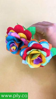 Origami Set, Paper Crafts Origami, Diy Crafts For Girls, Paper Flowers Craft, Crochet Flower Tutorial, Mini Craft, Origami Tutorial, Diy Crafts Videos, Creative Crafts