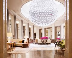 The Corinthia Crystal Moon Lounge is at the heart of the hotel, offering the best afternoon tea in London, served by the light of a Baccarat Crystal chandelier. Lobby Do Hotel, Lobby Lounge, Modern Hotel Lobby, Hotel Lounge, London Hotels, Chicago Hotels, Florida Hotels, London Restaurants, Florida Keys