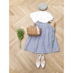爽やかなストライプのスカートが入荷しました⛵️ 問い合わせの多かったオリジナルのベレー帽も再生産分が入荷しました。小さめサイズ、オススメです♡ #chronik  #coordinate  #outfit  #ootd  #ベレー帽 #ストライプスカート  #神戸 #トアロード