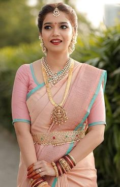 Top 5 South Indian Wedding Saree Trends Actress Colors Swati Wearing Pastel color pink saree for her wedding South Indian Wedding Saree, Indian Bridal Sarees, Bridal Silk Saree, Indian Bridal Fashion, Indian Beauty Saree, South Indian Bride Jewellery, South Indian Makeup, South Indian Sarees, Indian Fashion Trends