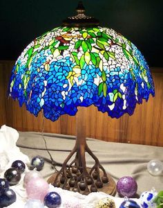 Google Image Result for http://www.mozaicpicture.com/vitragy/lamp/353_Blue_Labernum_-_cropped.jpg