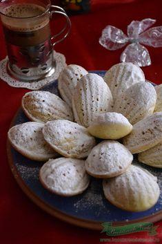 madlene Romanian Desserts, Romanian Food, Romanian Recipes, Sweet Desserts, Just Desserts, Sweets Recipes, Cookie Recipes, Unique Recipes, Food Cakes