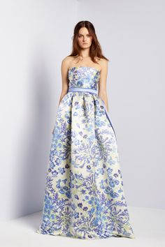 Collette Dinnigan. Spring 2013 Ready to Wear. Like a blue floral garden in bloom. I love how princess like this gown looks. And the print is to die for. Lily Collins would look absolutely fantastic in it.