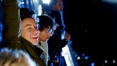 *ACTUAL INTERNAL COMBUSTION CAUSED BY THE PERFECTION OF ANGELIC SIDE SMILE* | 20 Reasons To Be Thankful For The Perfection That Is Harry Styles