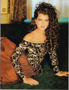 Brooke Shields for Harper's Bazaar Italia, 1981 World Most Beautiful Woman, Most Beautiful Faces, Beautiful People, 80s Fashion, Fashion Beauty, Fashion Models, Brooke Shields, Farrah Fawcett, Japanese Street Fashion