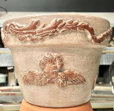 Start Out Your Very Own Sewing Company Embellishing With Appliques And Onlays - So Very Merry Clay Flower Pots, Flower Pot Crafts, Clay Pot Crafts, Painted Clay Pots, Painted Flower Pots, Diy Craft Projects, Diy Crafts, Garden Crafts, Iron Orchid Designs