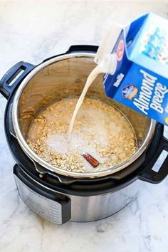 Instant Pot Oatmeal Recipe for Steel Cut Oats and Rolled Oats oatmeal steelcut recipes instantpot Oatmeal With Almond Milk, Vegan Oatmeal, Cooking Oatmeal, Baked Oatmeal, Crock Pot Oatmeal, Oatmeal Yogurt, Oatmeal Muffins, Make Ahead Oatmeal, Overnight Oatmeal