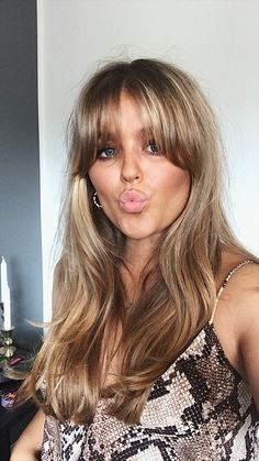 Lob Hairstyle, Hairstyles With Bangs, Summer Hairstyles, Pretty Hairstyles, Blonde Hair Looks, Brunette Hair, Long Layered Hair, Long Hair Cuts, Hair Inspo