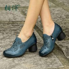 84.80$  Watch here - http://ali67g.worldwells.pw/go.php?t=32722569774 - Genuine leather high heels women shoes 2017 lady pumps platform thick with woman heels shoes