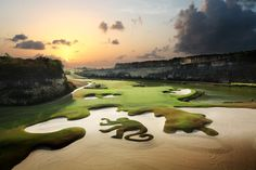 Happy National Day #Barbados.A #sunset experience on sandy lane golf course is a win win #lightfunc #nature #amazing http://www.sandylane.com/barbados-golf/