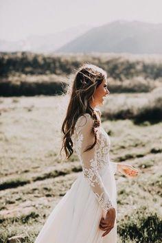 These sleeves #bride #wedding #weddingdress