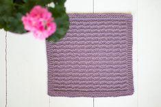 Neulotut tiskirätit – kolme ohjetta - Pariton rasa Crochet Top, Women, Fashion, Moda, Women's, La Mode, Fasion, Fashion Models, Trendy Fashion