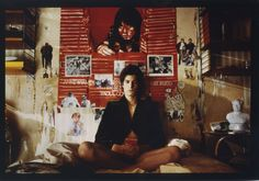 Louis Garrel - The Dreamers The Dreamers, Dreamers Movie, Louis Garrel, La Mans, Beautiful Film, Light Beam, Pottery Designs, Moving Pictures, Writing Inspiration
