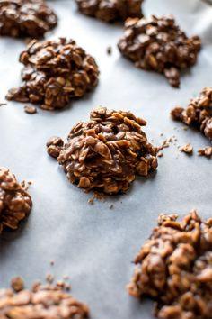 "Classic No Bake Cookies! A cookie classic - tried and true ""no bake"" cookies! | HomemadeHooplah.com"