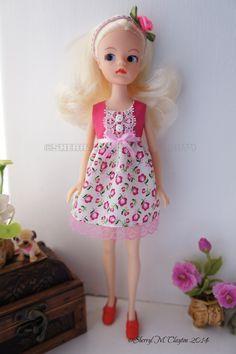 http://www.ebay.co.uk/itm/Handmade-Blythe-Sindy-Doll-Dress-/321507386156?pt=UK_Dolls_Accessories_RL&hash=item4adb55632c
