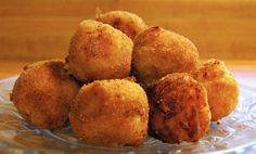 Print Source: Buns in my Oven Cinder Lynn's Potato, Bacon, Cheese Croquettes 6 Idaho Potatoes 3 Eggs, divided 2 Tbsp. Wendy's Food, Ricotta, Idaho Potatoes, Food Platters, Appetizers For Party, Queso, Finger Foods, Italian Recipes, Cake Recipes