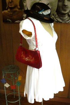 She Wore Red, Vintage, red leather purse, shoulder bag, embossed design hand bag, red clutch on Etsy, $23.00