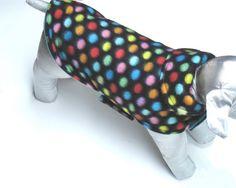 manteau pour chien reversible  tissu par creationsanneclaude Claude, Dog Dresses, Dog Coats, Dog Stuff, Dachshund, Your Pet, Creations, Polka Dots, Turquoise