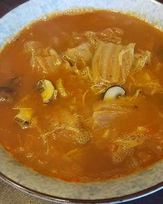 Food! In case you wondered why there's no food in my deed: I'm about to break a 42h intermittent fasting session. The longest so far  Spicy kimchi soup with mushrooms chicken and lots of turmeric and pepper.  Broth is a mixture of chicken broth and homemade duck bone broth. I added some @primal_state collagen protein powder to the soup  #intermittentfasting #collagen #protein #fitfam #soup #experiment #cleaneating #biohacks #fit #gains #nutrition #health #lowcarb #fitlife #healthyeating…