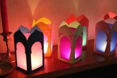 When does Ramadan begin? As every year, the arrival of Ramadan is expected with curiosity and enthusiasm. One of the most curious topics is when ramadan starts, please visit our site for more details. Eid Crafts, Ramadan Crafts, Crafts For Kids, Paper Crafts, Ramadan Sweets, Arabian Party, Arabian Nights Party, Moroccan Lanterns, Moroccan Decor