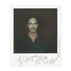 Marc Jacobs, le 12 septembre 2013 à New York http://www.vogue.fr/mode/news-mode/diaporama/portraits-de-createurs-au-polaroid-instantanes-de-fashion-week-printemps-ete-2014-olivier-rousteing-jean-paul-gaultier-alber-elbaz/15561/image/869248#!fashion-week-printemps-ete-2014-polaroidmarc-jacobs-le-12-septembre-2013-a-new-york