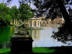 I have been here and loved it! Francois 1, Versailles Garden, Destinations, Places Worth Visiting, Famous Gardens, Ancient Buildings, Paris City, Chateaus, Parcs