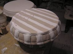 Cake stand, glazed and ready to fire! This one is in the kiln now, and will come out on Tuesday - Click the image to continue reading. Decorating On A Budget, Interior Decorating, Interior Design, Contemporary Ceramics, Modern Ceramics, Make Your Own Pottery, Pottery Tools, Pottery Ideas, Cake Plates