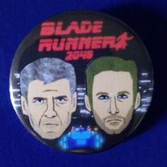 Blade RunRunner 2049. Deckard & K. Custom 38mm Pin Badge. #bladerunner2049 #deckard #k #harrisonford #ryangosling