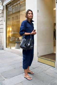 パリジェンヌ、真夏のデニムスタイルは「カジュアル&シック」が合言葉。|ファッション(流行・モード)|VOGUE
