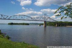 Good ol Lansing, Iowa and the famous singing bridge