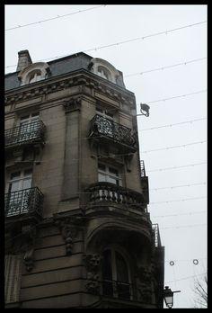"""""""Je suis sous, sous, sous  Sous ton balcon""""    Vannes - Bretagne"""