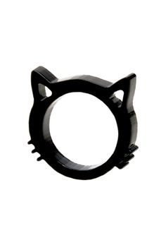 I love this!  I'd never wear it as it's probably pokey but it reminds me of my sweet kitty :)