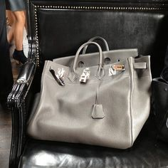 Now thats a bag! #birkin #hermes #omg xxx @Sadonna Patterson Smith Raffray - @tashsefton    Now there goes a real bag.......