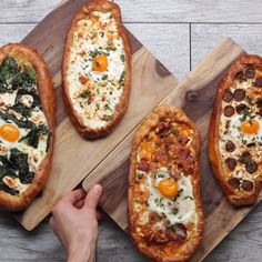 Breakfast Pizza Boats