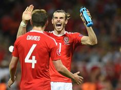 Gareth Bale celebrates after Wales's victory over Russia at Euro 2016 Manchester United Transfer News, Gareth Bale, Top 5, Champions League, Football Players, Real Madrid, World Cup, Victorious, Soccer