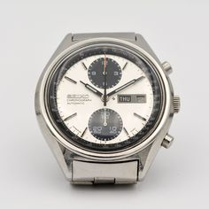 One of the best features of the watch is the fact that it's in size fitting into today's standard. Compared to other watches in those days, only a handful of brands have stayed true to their form by releasing sizes below Stay True, Of Brand, Seiko, Vintage Watches, Omega Watch, Good Things, Accessories, Antique Watches, Vintage Clocks