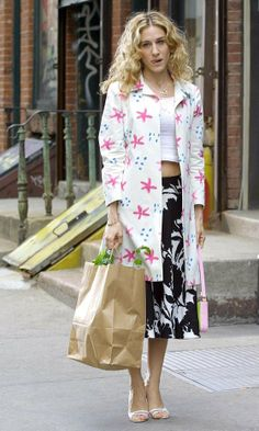 Carrie Bradshaw Wearing A Floral Vintage Coat And Clashing Skirt, Season 3