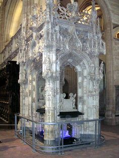 This is the tomb of Margaret of Austria. It is inside the church just next to the tomb of her husband Philibert le Beau (The Handsome).