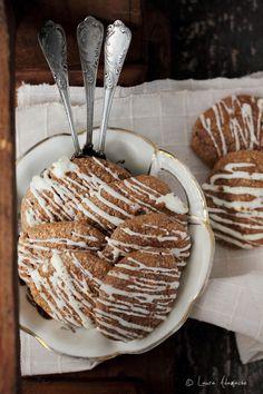 Permalink to Biscuiti Dukan cu Scortisoara Sugar Free Desserts, Sweets Recipes, Healthy Recipes, Cinnamon Biscuits, Weight Watchers Desserts, Dukan Diet, Vanilla Essence, How To Make Cake, Deserts