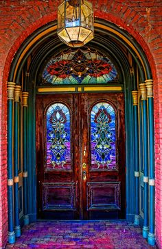 A SHORT WALK TO THE ENTRANCE OF THIS ABSOLUTELY BEAUTIFUL DOOR...............ccp