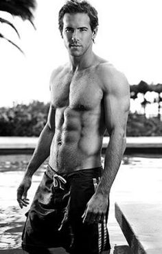 Ryan Reynolds....ughhh god I love him