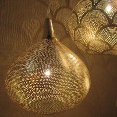 Suspension en laiton perforé Princess Filisky tailles) Zenza - Del My Site Life Decor, Dining Lighting, Moroccan Lanterns, Lounge Lighting, Hanging Lights, Light Jewelry, Lamp Light, Pendant Light, Basket Lighting