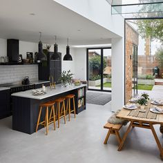 Step inside an extended four-bedroom Edwardian house, all dressed up for Christmas – Home Renovation Open Plan Kitchen Dining Living, Open Plan Kitchen Diner, Living Room Kitchen, Home Decor Kitchen, Open Kitchen, Dining Room, Modern Kitchen Design, Interior Design Kitchen, House Extension Design
